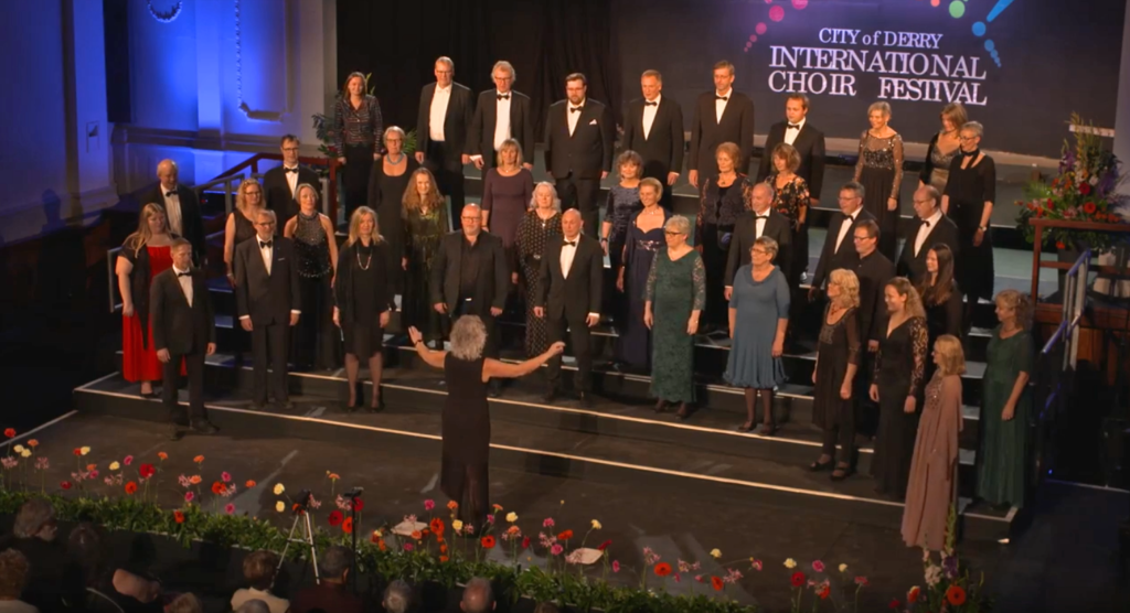 Solheimkoret på scena under City of Derry International Choir Festival 2019